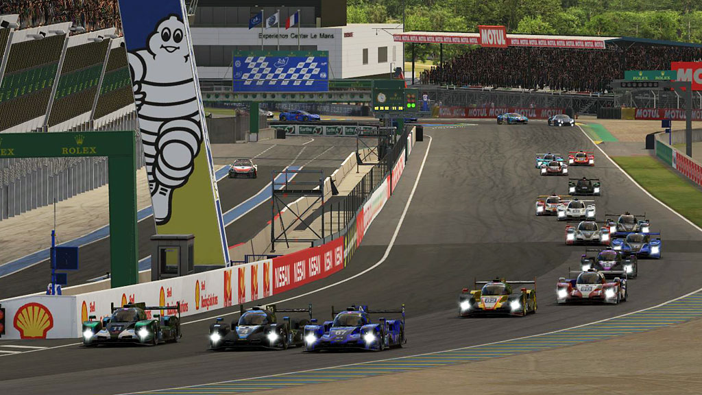The start of iRTES Round 3 at Le Mans